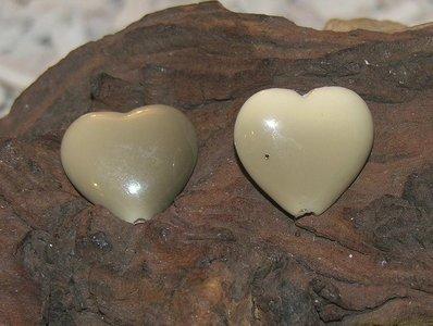 Kraal hart, 24x22mm, beige