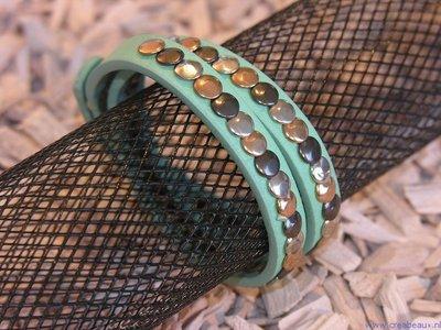 Armband imit. suede met studs, 40cm, mintgroen